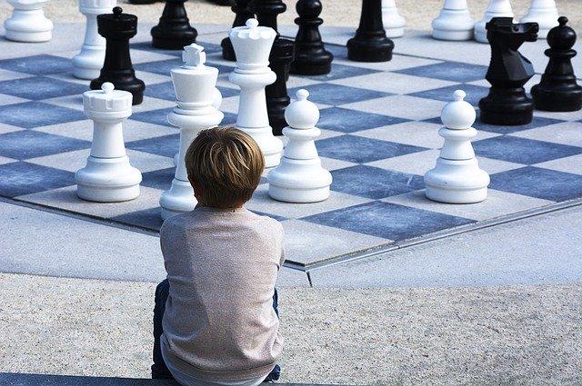 hraní šachů